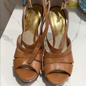Michael Korea Tan Sandals heels 8.5 Lightly Worn